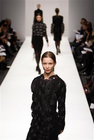 London S New Designers Focus On Art Not Recession Reuters Com