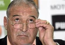 <p>O campeão búlgaro CSKA Sofia demitiu o técnico Dimitar Penev após a eliminação na copa doméstica, e para o seu lugar o clube contratou o ex-atacante búlgaro Luboslav Penev, informou o time nesta quinta-feira. REUTERS/Velko Angelov (BULGARIA)</p>