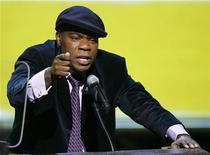 <p>Host Tracy Morgan addresses the crowd during the 2008 VH1 Hip Hop Honors show in New York, October 2, 2008. REUTERS/Lucas Jackson</p>
