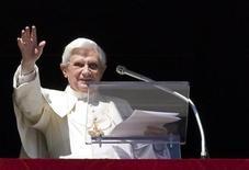 <p>Papa Benedetto XVI ha sollecitato oggi gli abitanti della capitale a respingere qualunque forma di intolleranza e discriminazione nei confronti degli immigrati e di tutti gli altri stranieri. REUTERS/Max Rossi (VATICAN RELIGION SOCIETY)</p>