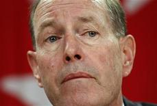 <p>Former Bank of Canada Governor David Dodge listens to a question during a news conference upon the release of the Monetary Policy Report in Ottawa, January 24, 2008. REUTERS/Chris Wattie</p>