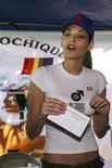 """<p>Imagen de archivo de la Miss Universo 2008 Dayana Mendoza en Managua, 23 ene 2009. Un """"lugar relajante, tranquilo y hermoso"""" puede no ser una típica descripción de la Bahía de Guantánamo, en Cuba, donde Estados Unidos mantiene alrededor de 240 prisioneros en un centro de detención que se convirtió en un blanco de críticas hacia el país. Pero sí fue la opinión de la actual Miss Universo, la venezolana Dayana Mendoza, quien visitó este mes la instalación naval estadounidense localizada en el este de Cuba en un viaje organizado por United Service Organizations (USO), grupo que brinda servicios de apoyo para las tropas estadounidenses. REUTERS/Esteban Felix/Pool/Archivo</p>"""