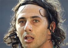 <p>Atacante do Werder Bremen o peruano Claudio Pizarro joga em Dortmund. 21/03/2009. REUTERS/Ina Fassbender</p>