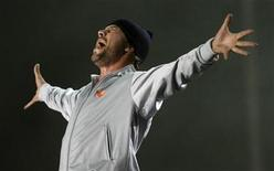 "<p>Jay Kay of the British band Jamiroquai performs during the ""Rock in Rio"" music festival in Arganda del Rey, near Madrid July 4, 2008. REUTERS/Juan Medina</p>"