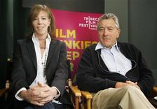 <p>Robert De Niro e Jane Rosenthal, fundadores do Festival de Cinema Tribeca, em New York. 13/04/2008. REUTERS/Lucas Jackson</p>