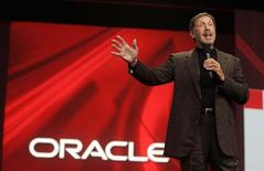 <p>Larry Ellison, presidente da Oracle, faz palestra em evento da empresa em San Francisco. A Oracle anunciou nesta segunda-feira que comprará a Sun Microsystems numa operação que avalia a fabricante de servidores de alta potência em mais de 7 bilhões de dólares.</p>