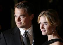 """<p>Foto de arquivo do ator Leonardo DiCaprio e da atriz Kate Winslet na estreia do filme """"Foi Apenas um Sonho"""" em Londres. 30/01/2009. REUTERS/Luke MacGregor</p>"""