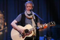 <p>Singer Yusuf Islam, formerly known as Cat Stevens, performs a sound check ahead of his concert at El Rey theatre in Los Angeles May 11, 2009. REUTERS/Mario Anzuoni</p>