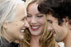 """<p>Director Jane Campion (L) poses with cast members Abbie Cornish (C) and Ben Wishaw during a photocall for the film """"Bright Star"""" at the 62nd Cannes Film Festival May 15, 2009. REUTERS/Eric Gaillard</p>"""