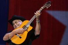 <p>Cuban musician Eliades Ochoa performs during his concert at the Mawazine Festival in Rabat May 17, 2009. REUTERS/Rafael Marchante</p>