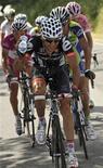 <p>Carlos Sastre durante il Giro d'Italia. REUTERS/Graham Watson/Pool</p>