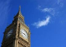 <p>Big Ben against a blue sky in central London March 8, 2008. REUTERS/John Goh</p>