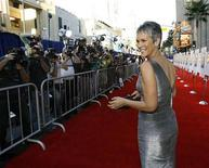 """<p>Cast member Jamie Lee Curtis poses at the world premiere of """"Beverly Hills Chihuahua"""" at El Capitan theatre in Hollywood, California September 18, 2008. REUTERS/Mario Anzuoni</p>"""