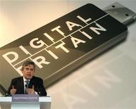 <p>Gordon Brown parla al Digital Britain Summit. REUTERS/Dominic Lipinski/Pool</p>