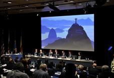 <p>Membros da candidatura do Rio de Janeiro para sede dos Jogos Olímpicos de 2016 fazem apresentação do projeto na Suíça. A cidade concorre com Madri, Tóquio e Chicago para sediar os jogos. REUTERS/POOL/Dominic Favre</p>
