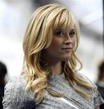 """<p>Actress Reese Witherspoon, who gives voice to Ginormica in the movie, poses at the premiere of """"Monsters vs. Aliens"""" at the Gibson amphitheatre in Universal City, California, March 22, 2009. REUTERS/Mario Anzuoni</p>"""