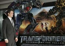 """<p>Actor Josh Duhamel poses as he arrives for the Russian premiere of """"Transformers: Revenge of the Fallen"""" at Novy Arbat street in Moscow, June 16, 2009. REUTERS/Mikhail Voskresensky</p>"""