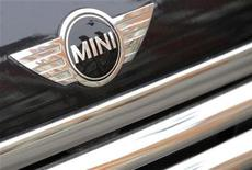 <p>A logo of a parked Mini car is seen in central London February 16, 2009. REUTERS/Toby Melville</p>