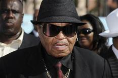 <p>Joe Jackson, the father of deceased pop star Michael Jackson, arrives at the BET Awards '09 in Los Angeles June 28, 2009. REUTERS/Phil McCarten</p>