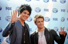 "<p>Finalists Adam Lambert (L) and Kris Allen (R) arrive for the finale of Season 8 of ""American Idol"" in Los Angeles in this file photo from May 20, 2009. REUTERS/Phil McCarten</p>"