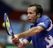 <p>Radek Stepanek, da República Tcheca, na Copa Davis. 12/07/2009. REUTERS/Petr Josek</p>