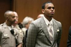 <p>Chris Brown oggi in tribunale a Los Angeles. REUTERS/Lori Shepler/Pool (UNITED STATES ENTERTAINMENT)</p>