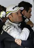 """<p>Rubens Barrichello, da Brawn GP, em foto de arquivo, fez pazes com a equipe e se disse """"Sr. Feliz"""". REUTERS/Kai Pfaffenbach</p>"""