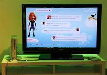 <p>Console Xbox 360 collegata a Twitter. REUTERS/Danny Moloshok (UNITED STATES BUSINESS)</p>