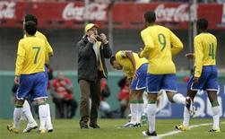 <p>Foto de arquivo da seleção brasileira durante partida das Eliminatórias contra o Uruguai. 06/06/2009. REUTERS/Andres Stapff</p>