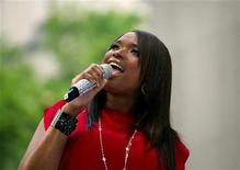 "<p>Singer Jennifer Hudson performs on NBC's ""Today"" show in New York, May 15, 2009. REUTERS/Eric Thayer</p>"