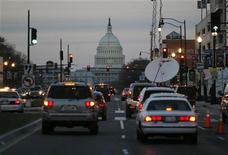 <p>Traffic drives towards the U.S. Capitol building in Washington, March 29, 2008. REUTERS/Jason Reed</p>