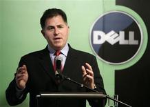 <p>Michael Dell, patron du groupe éponyme. Le groupe d'informatique Dell fait état d'un bénéfice et de ventes supérieurs aux attentes au titre de son deuxième trimestre et prédit que son chiffre d'affaires progressera au cours du second semestre. /Photo prise le 26 mars 2009/REUTERS/Jason Lee</p>