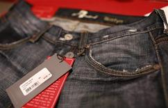 <p>A pair of women's premium denim jeans, selling for $375.00, is pictured in a retail store in San Francisco, September 3, 2009. REUTERS/Robert Galbraith</p>