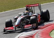 <p>Após batida no GP da Itália, britânico Lewis Hamilton deu adeus à disputa do título da F1. REUTERS/Giampiero Sposito</p>