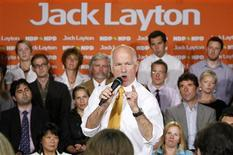 <p>New Democratic Party leader Jack Layton speaks to supporters on Parliament Hill in Ottawa September 14, 2009. REUTERS/Chris Wattie</p>
