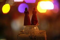 <p>Coppie gay idonee all'adozione quanto coppie etero, dice studio. REUTERS/Mario Anzuoni</p>