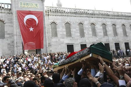 Turks pay final respects to Last Ottoman - Reuters