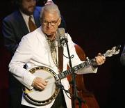 <p>Actor Steve Martin performs with the Steep Canyon Rangers at a rehearsal concert at the Largo at the Coronet theatre in Los Angeles, September 30, 2009. REUTERS/Mario Anzuoni</p>