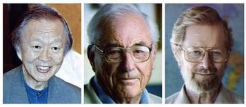 """<p>Le prix Nobel de physique a été décerné mardi aux Américains Charles Kao (à gauche), Willard Boyle (au centre) et George Smith pour leurs """"découvertes révolutionnaires"""" sur la transmission de la lumière dans les fibres optiques. /Phoot d'archives/REUTERS/Scanpix</p>"""