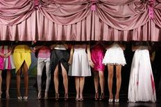<p>Models appear at the end of Portuguese designer Fatima Lopes' Spring/Summer 2009 women's ready-to-wear fashion collection show in Paris September 27, 2008. REUTERS/Benoit Tessier (FRANCE)</p>