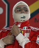 <p>Felipe Massa recuperou totalmente a visão depois de sofrer um grave acidente em julho, e vai voltar a conduzir um carro de Fórmula 1 na segunda-feira, informou a Ferrari nesta sexta-feira. REUTERS/Paulo Whitaker (BRAZIL MOTOR RACING SPORT TRANSPORT)</p>
