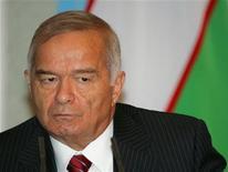<p>Президент Узбекистана Ислам Каримов на пресс-конференции в Ташкенте 29 августа 2006 года. Европейский союз собирается отменить последние санкции в отношении Узбекистана, несмотря на сохраняющиеся опасения по поводу соблюдения прав человека в этой стране, заявили в среду европейские дипломаты.REUTERS/Shamil Zhumatov</p>