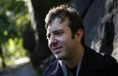 <p>O cantor e compositor Harper Simon, filho de Paul Simon, no Central Park em Nova York. REUTERS/Mike Segar</p>
