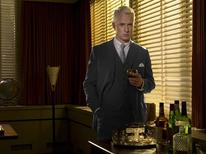 """<p>Actor John Slattery as Roger Sterling in a scene from """"Mad Men"""". REUTERS/AMC/Handout</p>"""