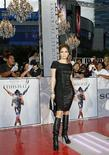 """<p>Jennifer Lopez all'anteprima di """"This Is It"""", il film su Michael Jackson . REUTERS/Mario Anzuoni</p>"""