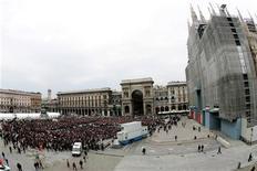 <p>Si terranno mercoledì pomeriggio in Duomo a Milano i funerali di Stato per la poetessa Alda Merini, morta ieri a 78 anni. . REUTERS/Daniele La Monaca</p>