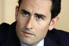 <p>Thomas Reynaud, directeur financier d'Iliad. Le groupe a réaffirmé ses objectifs financiers de court et de moyen terme après avoir publié un chiffre d'affaires trimestriel en hausse de 21,8%. /Photo prise le 20 mai 2009/REUTERS/Charles Platiau</p>