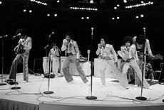 <p>I Jackson Five in una foto d'archivio del 1974. REUTERS/Allen Fredrickson/Files</p>