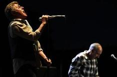 <p>Roger Daltrey (L) and Pete Townshend of The Who perform on stage after the F1 Australian Grand Prix in Melbourne March 29, 2009. REUTERS/Mick Tsikas</p>