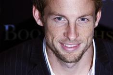 <p>Estou saindo da minha zona de conforto, disse o campeão mundial Jenson Button sobre transferência da Brawn GP para a McLaren. REUTERS/Luke MacGregor</p>